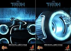 Tron Legacy Collectible Figure Sam Flynn with Light Cycle by Hot Toy