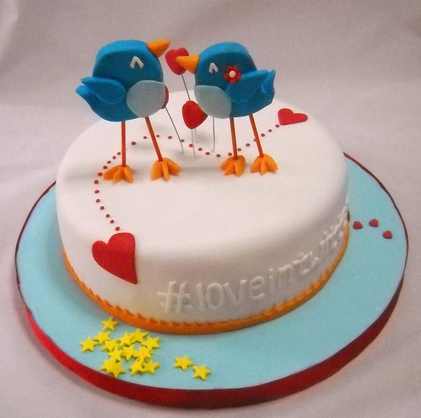 Twitter in Love Theme Cake Gadgetsin