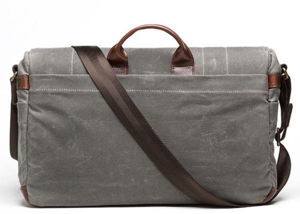 Union Street Camera and Laptop Canvas Messenger Bag | Gadgetsin