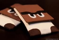 Super Mario Goomba and Super Mushroom iPhone 4 Cases