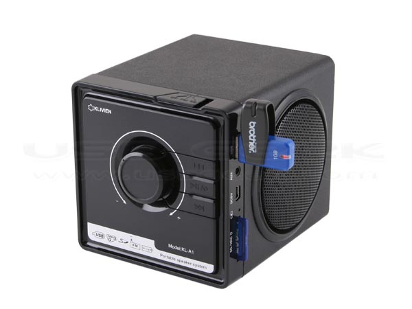 retro usb speaker integrated mp3 player and fm radio gadgetsin. Black Bedroom Furniture Sets. Home Design Ideas