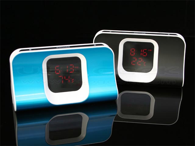 Thermo Alarm Clock with USB Hub and Card Reader