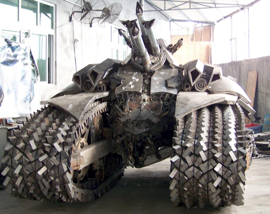 Awesome Transformers Megatron Tank Steel Sculpture Gadgetsin