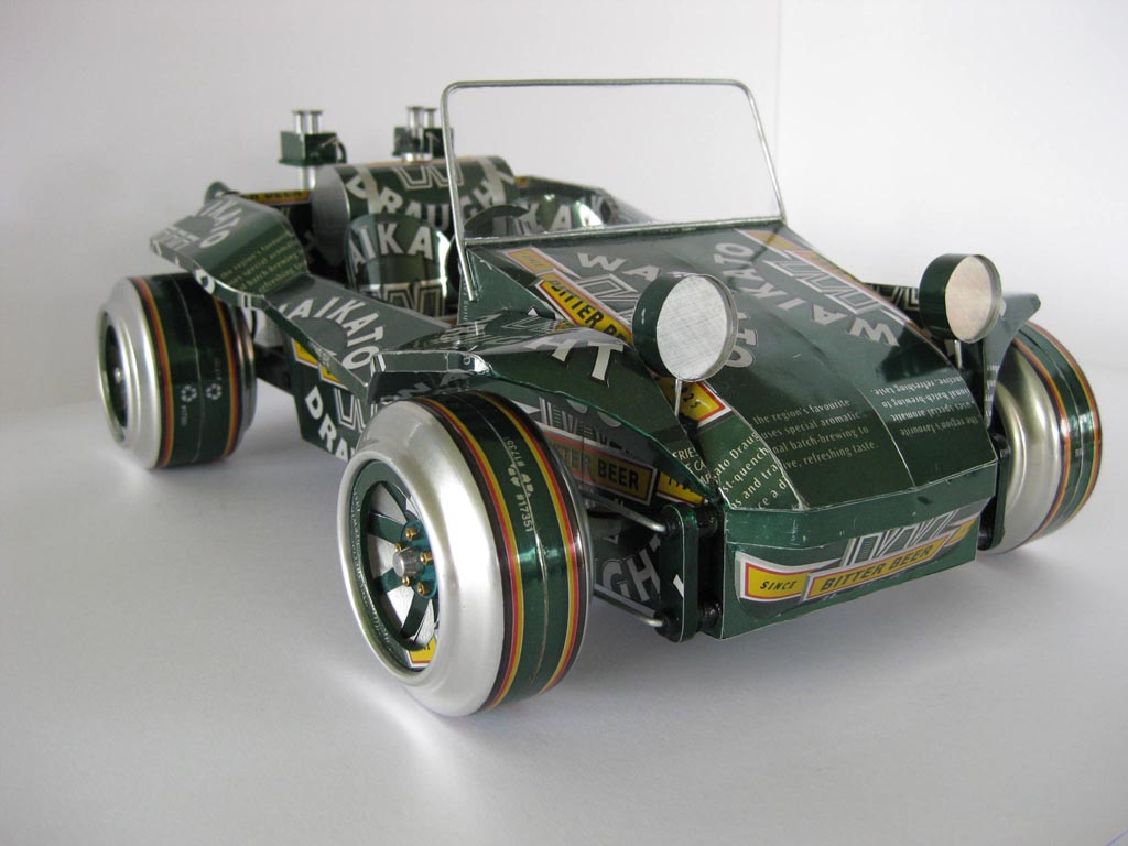 handmade model cars built with recycled cans gadgetsin. Black Bedroom Furniture Sets. Home Design Ideas