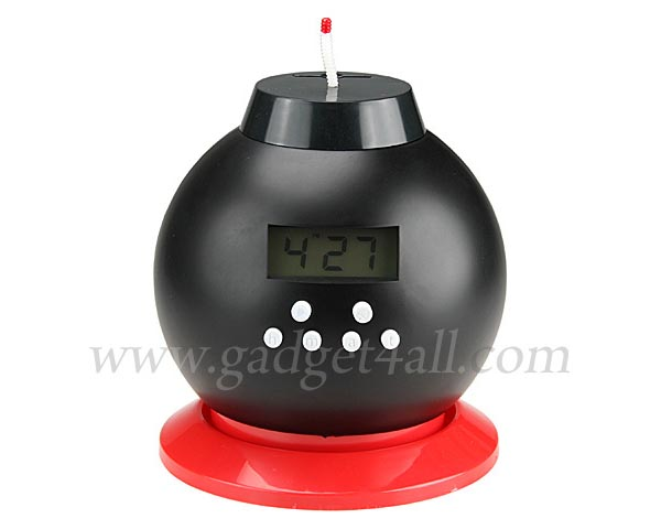 Hot-Tempered Bomb Alarm Clock Doubled as Money Bank