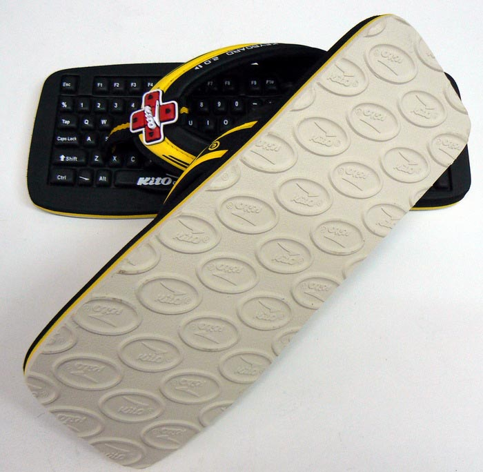Kito Computer Keyboard Shaped Slippers Gadgetsin