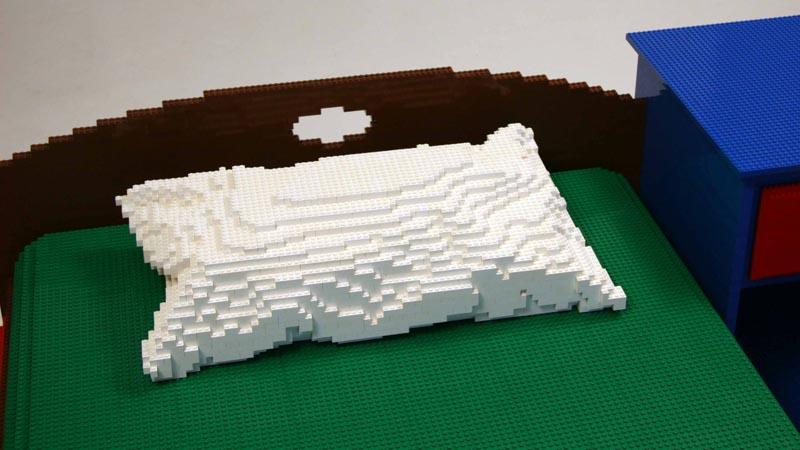 Nathan Sawaya S Bedroom Build With Lego Bricks Gadgetsin