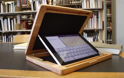 BRUDA Wooden iPad Case