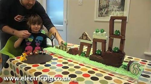Playable Angry Birds Birthday Cake