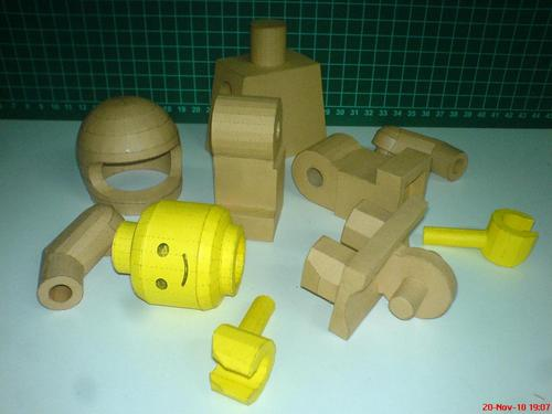 LEGO Minifigure Paper Craft