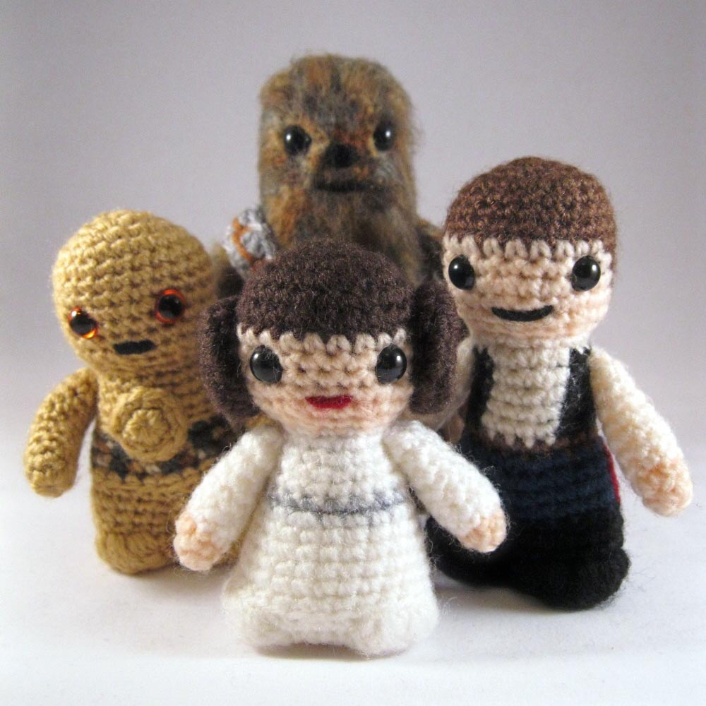 Free Crochet Pattern Star Wars : Star Wars Mini Amigurumi Patterns Gadgetsin