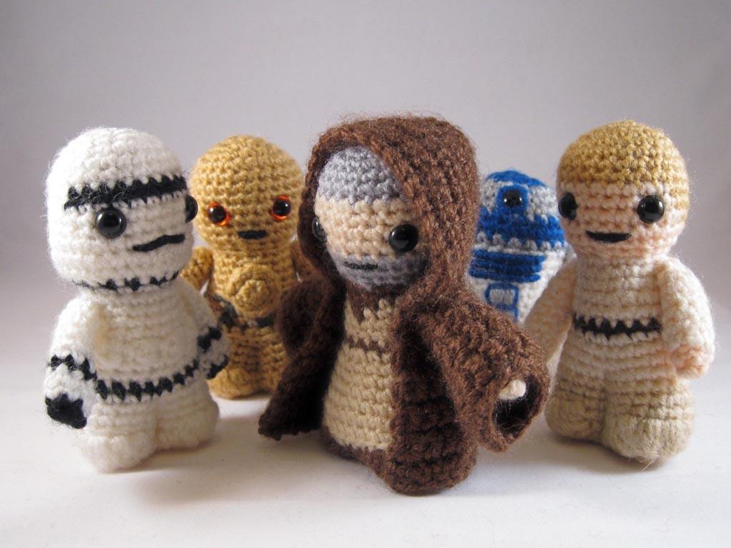 Free Crochet Pattern Small Doll : Star Wars Mini Amigurumi Patterns Gadgetsin