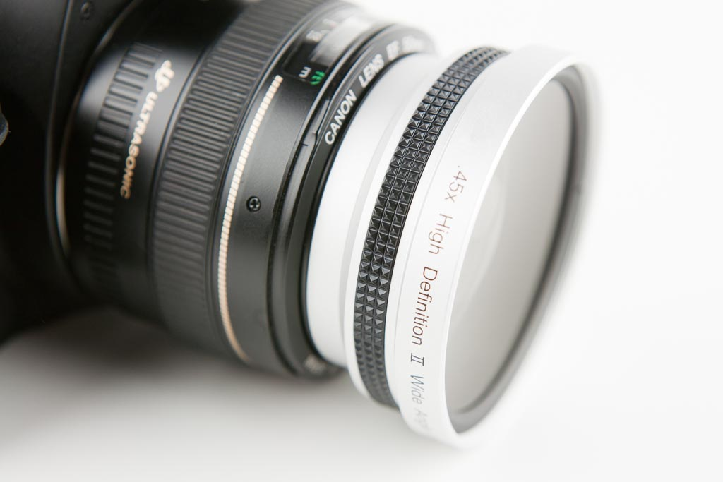 Luma Phone Lens Adapter Turns Your iPhone into Night Light