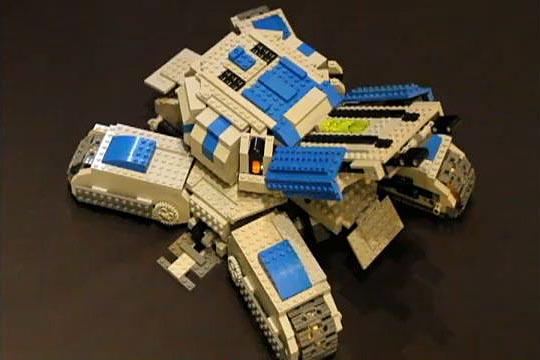 Remote Controlled Starcraft 2 Siege Tank Built with LEGO Bricks