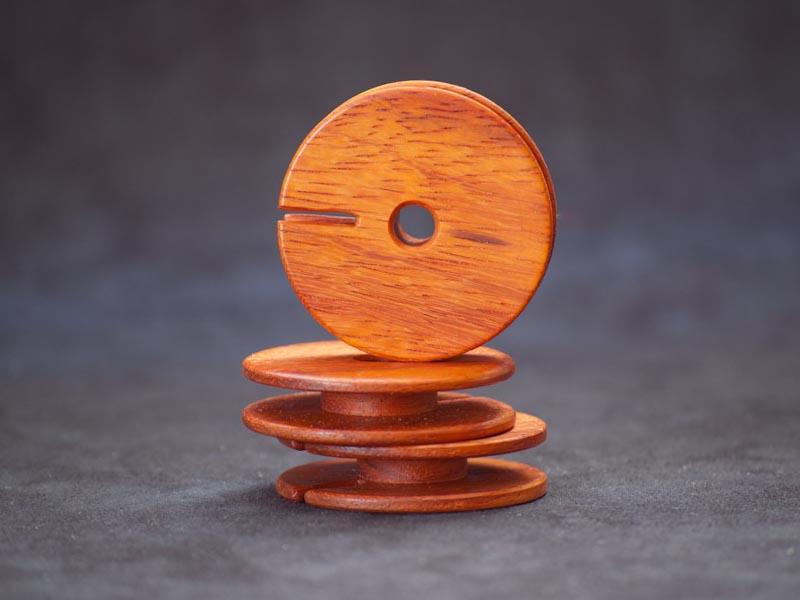 Wooden Earphone Cord Organizer | Gadgetsin