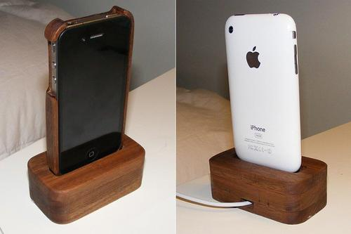 Wooden iPhone 4 Case and Charging Dock
