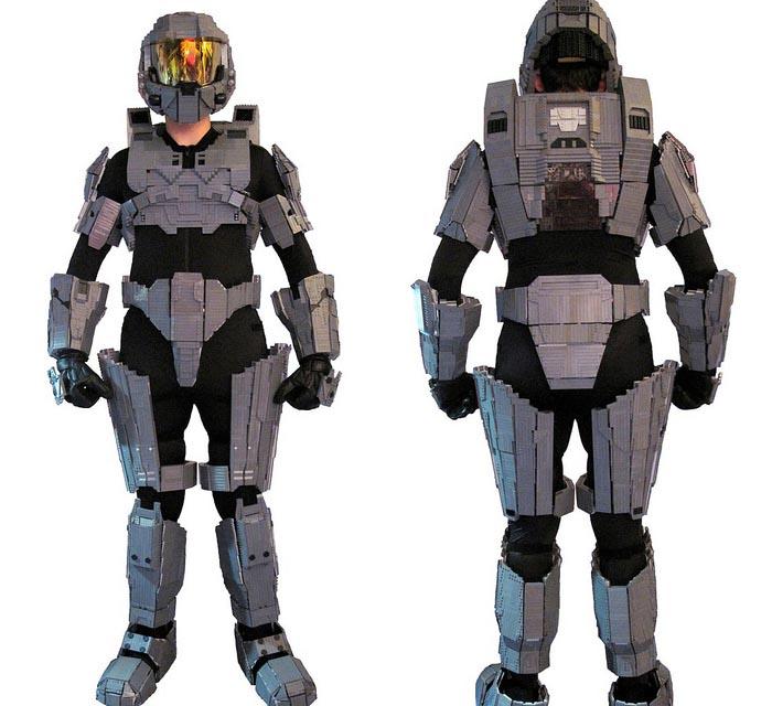 sc 1 st  Gadgetsin & Halo Master Chief Costume Built up with LEGO Bricks | Gadgetsin