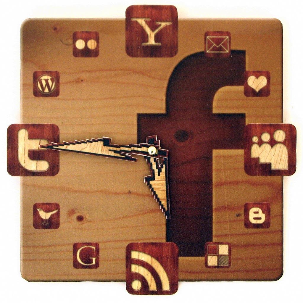 Handmade Facebook Icon Wall Clock Gadgetsin