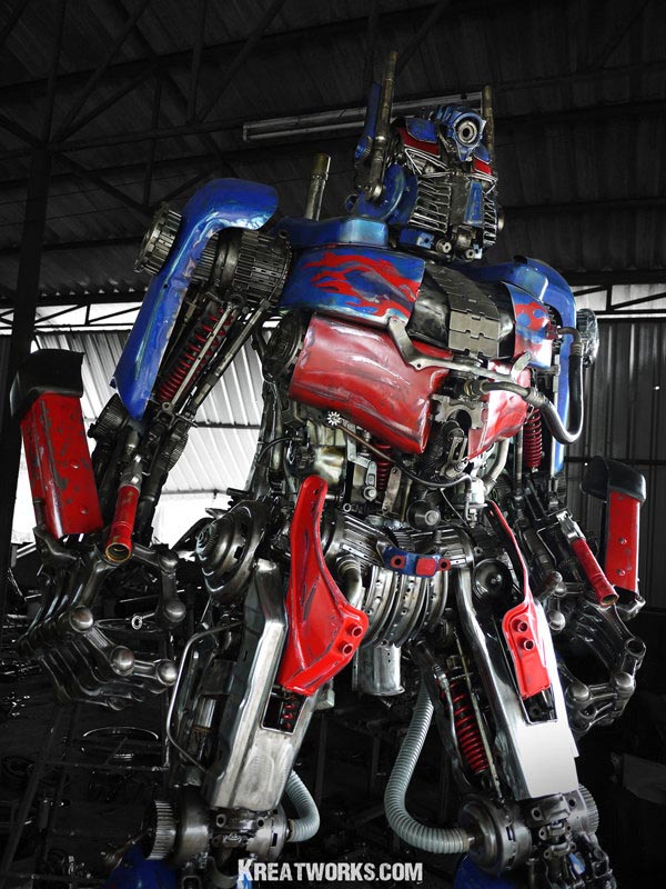 Star Auto Parts >> Huge Optimus Prime and Bumblebee Made of Recycled Metal ...