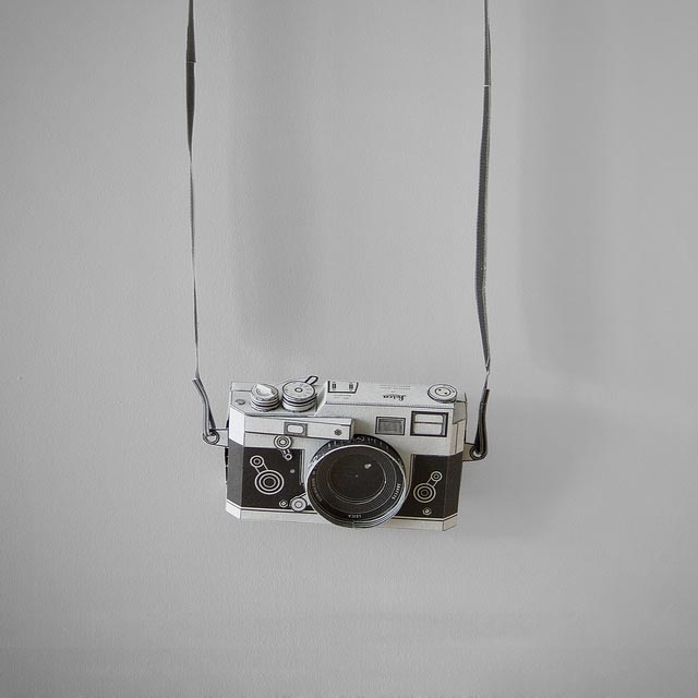 Workable Leica M3 Shaped Pinhole Camera Paper Craft