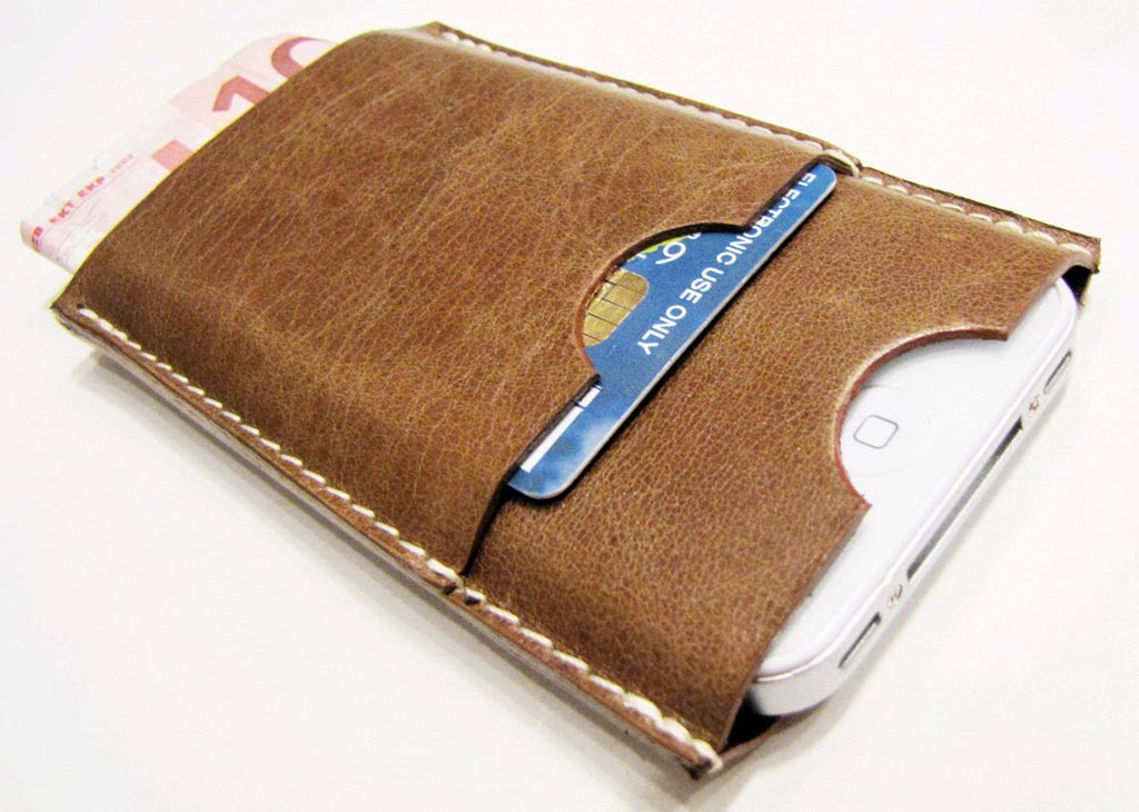 iphone 4 leather case with two extra slots for credit cards and bills