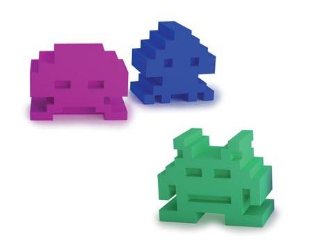 Space Invaders Eraser Set
