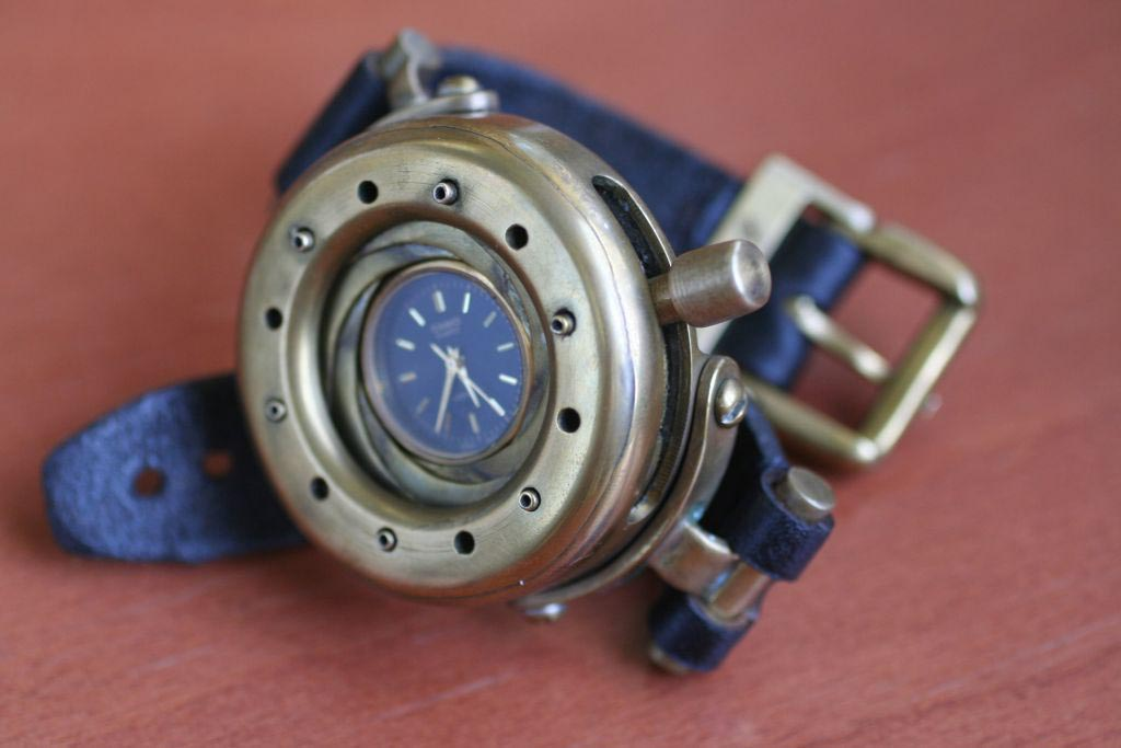 Steampunk Watch With Iris Cover Gadgetsin