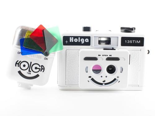 Lomography Twin-Lens Holga with Color Flash