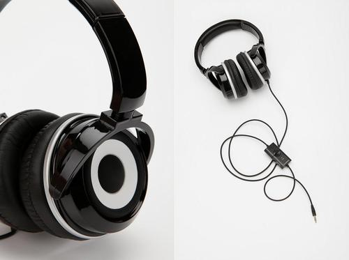 Zumreed X2 Hybrid Headphones Double As Portable Speaker