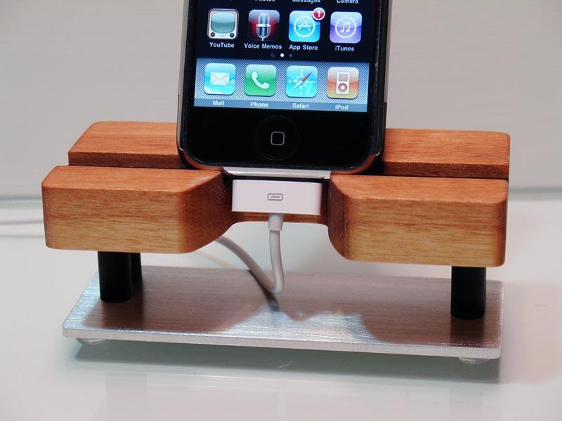 TechStands Handmade iPhone Dock | Gadgetsin