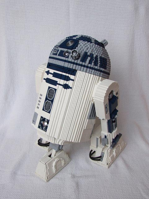 Remote Controlled LEGO R2-D2