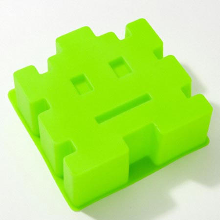 Space Invaders Themed Cake Mold