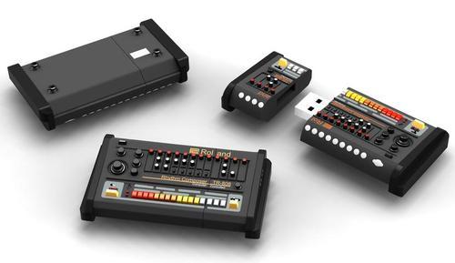 Roland TR-808 USB Flash Drive