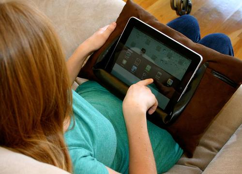 ePillow: A Pillow for iPad 2 and Original iPad