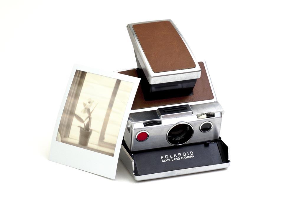 Limited Edition Polaroid SX-70 Vintage Camera | Gadgetsin