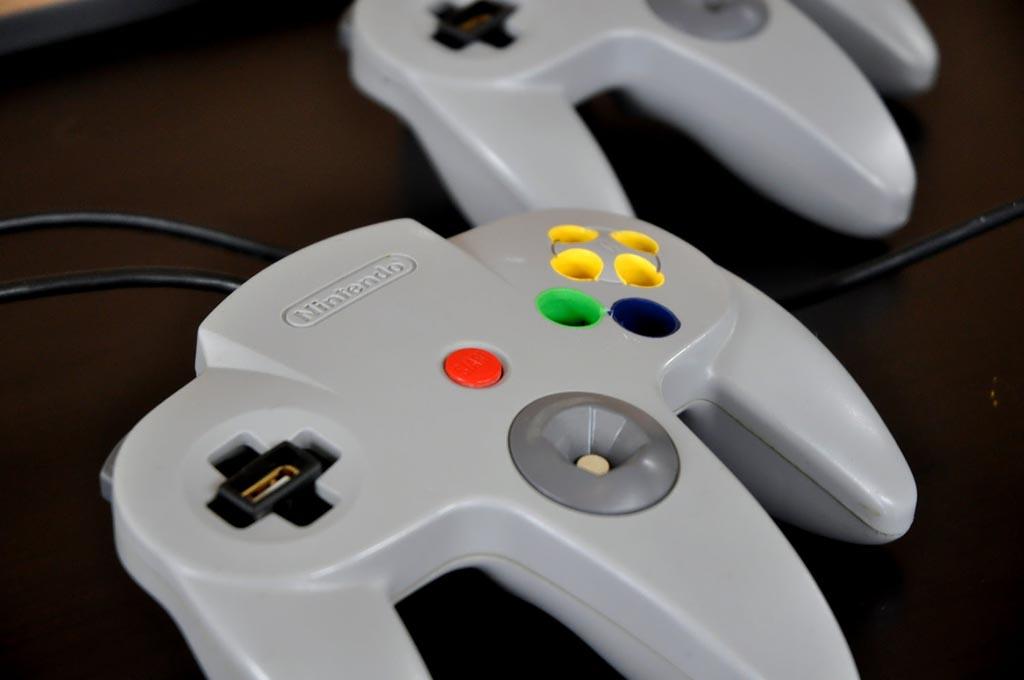 N64 Controller Desk Organizer With Usb Port Gadgetsin