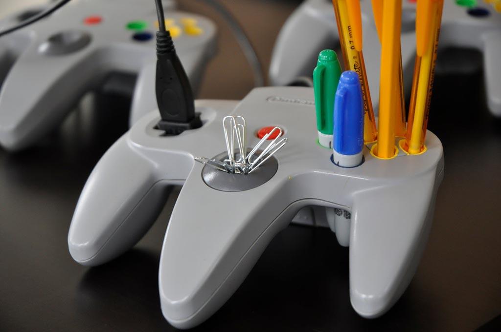 N64 Controller Desk Organizer With Usb Port