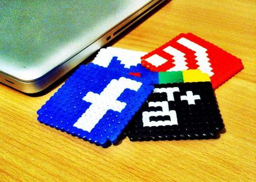 Social Network Inspired Pixel Coaster Set
