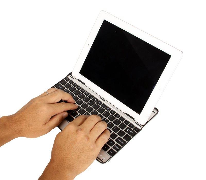Thanko Aluminum iPad 2 Keyboard Case
