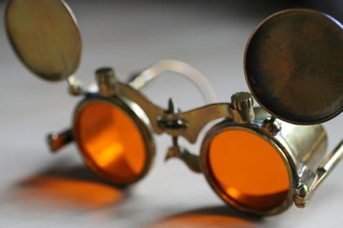 Make Your Own Steampunk Spectacles