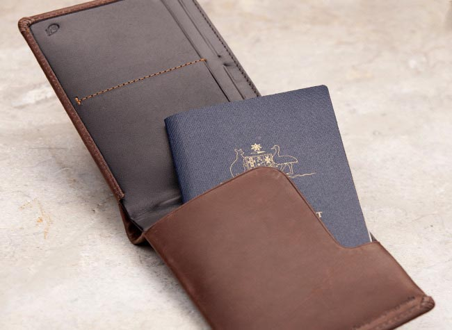 Bellroy Leather Travel Wallet Gadgetsin