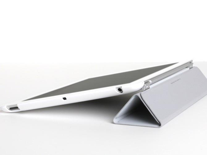 TheJoyFactory Klick Kick iPad 2 Stand and Protective Case