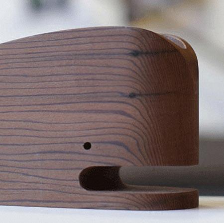 wood_whale_desk_orgainzer_2.jpg