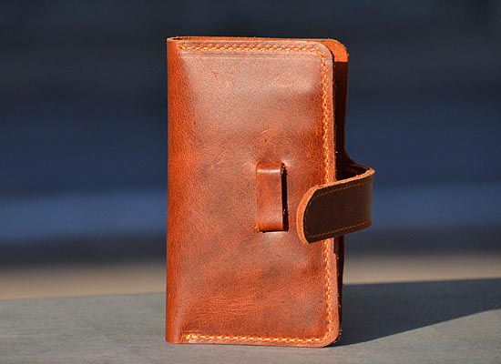 What Is Leather Made Of >> Hand-Stitched iPhone 4 Leather Case with Wallet | Gadgetsin
