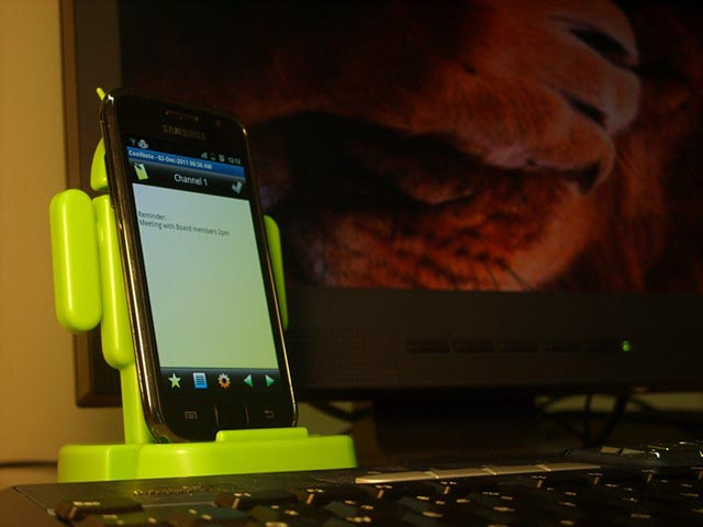CozyBot Android Styled Phone Stand