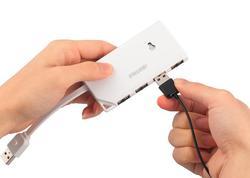Ambidextrous USB Hub
