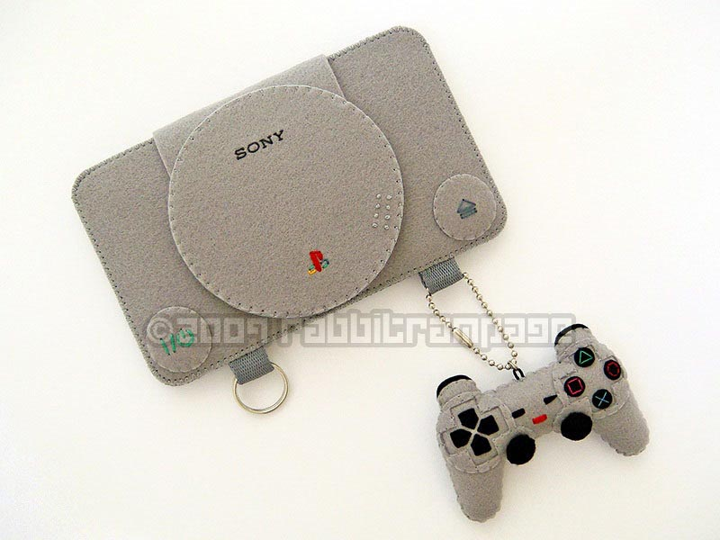 PlayStation Felt Protective Case with Controller Keychain