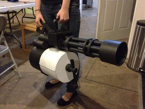 Life-Size Team Fortress 2 Minigun
