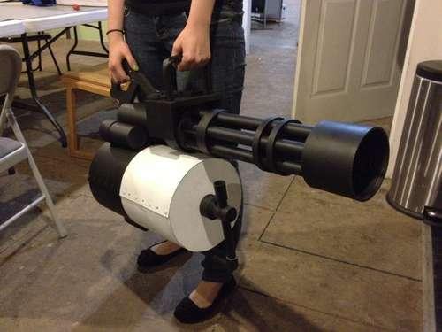 Life-Size Team Fortress 2 Minigun