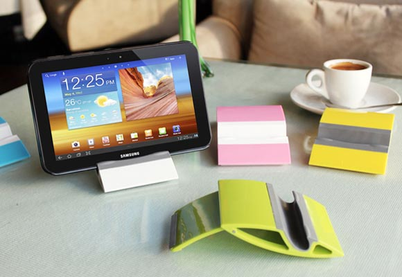 NIA Tablet Stand